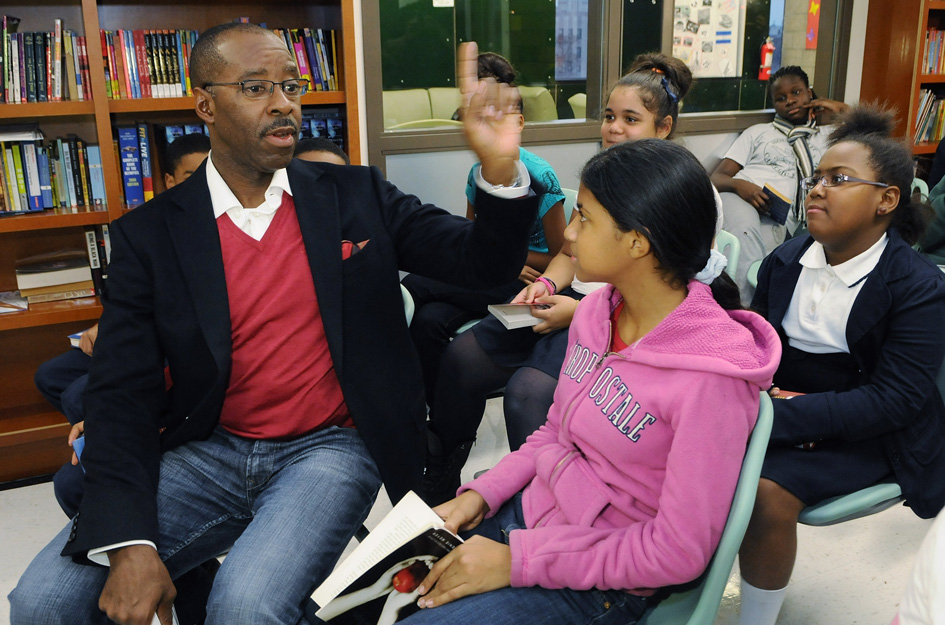 Courtney Vance with kids